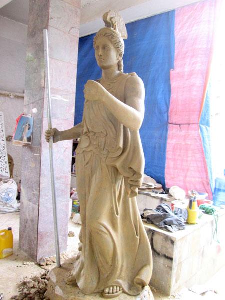 tượng tây âu thần chiến chanh hi lạp